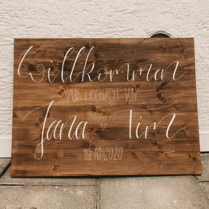 Willkommensschilder aus Holz in verschiedenen Farben und Größen bestellbar