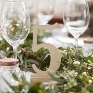 Tischnummern aus Holz für deine Sitzordnung auf der Hochzeit, dem Geburtstag oder einem besonderen Anlass
