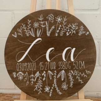 Rundes Geburtsschild als Geschenkidee zur Geburt, Mit Namen, Geburtsdatum, Uhrzeit, Größe und Gewicht, mit gezeichneten Blumen