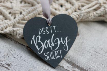Geschenkidee zur Geburt: personalisierbarer Baby schläft - Anhänger für die Haustüre, Postboten